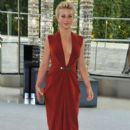 Julianne Hough attends the 2012 CFDA Fashion Awards at Alice Tully Hall on June 4, 2012 in New York City - 392 x 594