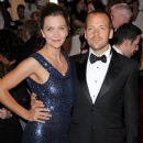 Maggie Gyllenhaal and Peter Sarsgaard - 379 x 500