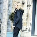 Ellie Goulding Out Ain Notting Hill