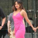 Priyanka Chopra – On the sets of 'Isn't It Romantic' in NYC - 454 x 802