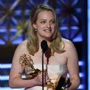 Elisabeth Moss : 69th Annual Primetime Emmy Awards - 452 x 600