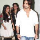 Shahid Kapoor at Farah Khan house warming party with Rani Mukherjee 2011