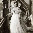 Rebecca - Joan Fontaine - 454 x 539