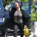 Kyle Richards stops by Barneys New York to do some shopping in Beverly Hills, California on March 31, 2017 - 442 x 600