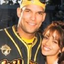 David Justice and Halle Berry - 300 x 232