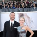 Liev Schreiber and Naomi Watts At The 85th Annual Academy Awards (2013) - 416 x 594