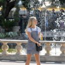 Lottie Moss – Shopping candids at The Grove in LA With Emily Blackwell - 454 x 580