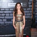 Zoey Deutch attends the 2013 MTV Video Music Awards at the Barclays Center in the Brooklyn borough of New York City