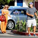 Jessica Simpson Pays A Surprise Visit To Tony Romo, 2008-07-29 - 454 x 397