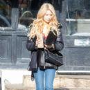 Lottie Moss – Walking on The Kings Road in Chelsea - 454 x 681