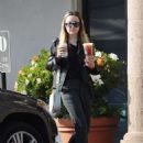Amanda Bynes – Leaving Starbucks in Los Angeles - 454 x 625