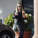 Amanda Bynes – Leaving Starbucks in Los Angeles