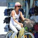 Sharni Vinson: takes a bike ride to a local cafe to get an iced coffee drink in Cronulla