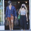 Annabelle Wallis and Chris Pine – Shopping in Los Angeles - 454 x 493