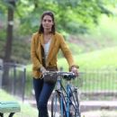 Katie Holmes – Filming 'The Gift' set in Montreal - 454 x 539