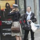 Sienna Miller Waiting For A Bus In London, June 21 2008