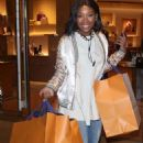 Brandy Norwood – Shopping in Beverly Hills - 454 x 741