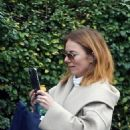 Geri Halliwell – Out for a walk in London