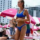 Elizabeth Turner in Blue Bikini at the beach in Miami - 454 x 681