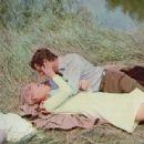 Faye Dunaway and Marcello Mastroianni - 454 x 336