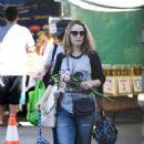 Rachel McAdams – Shopping at Farmers Market in Los Angeles