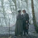 Outlander » Season 2 » Dragonfly in Amber (2016)