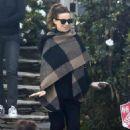 Kate Beckinsale Leaving her House, Los Angeles  (28 November, 2016)