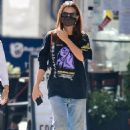 Emily Ratajkowski – Out with her dog in downtown New York
