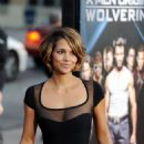 "Halle Berry - Red Carpet Arrival At The ""X-Men Origins: Wolverine"" Screening In LA - 28/04/09"
