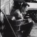 Pete Seeger - 200 x 277