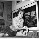 Joyce Bulifant - 454 x 352