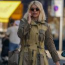 Holly Willoughby – Out and about in London