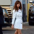 Emily Ratajkowski – Leaving 'Jimmy Kimmel Live!' in Hollywood