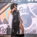 Shania Twain – Performs at the Cowboy Festival of Barretos in Sao Paulo - 454 x 393