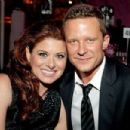 Debra Messing and Will Chase - 454 x 302