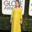 Natalie Portman : 74th Annual Golden Globe Awards - 400 x 600