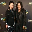 Alice Cooper attends The Recording Academy And Clive Davis' 2019 Pre-GRAMMY Gala at The Beverly Hilton Hotel on February 9, 2019 in Beverly Hills, California - 390 x 600