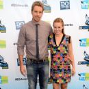Kristen Bell with Dax Shepard at the 2012 Do Something Awards (August 19) - 454 x 687