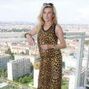 Leona Machálková - 440 x 640