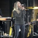 Carrie Underwood at Jimmy Kimmel Live! in Los Angeles - 454 x 646