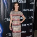 Perrey Reeves – 'High Voltage' Premiere in Los Angeles - 454 x 685
