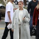 Hailey Baldwin – Out for a coffee at Alfred's in Sytudio City
