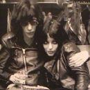 Joey Ramone - 320 x 240