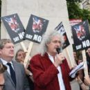 Brian May leads an anti-fox hunting rally for PETA on July 14, 2015 in London, England. - 454 x 281