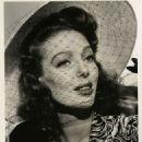 Loretta Young - 454 x 555