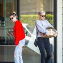 Kristen Stewart – Shopping in Los Feliz