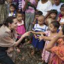 Angelina Jolie Ja Mai Kaung Baptist Refugee Camp In Myitkyina