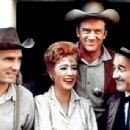 Gunsmoke-The Gang - 454 x 307