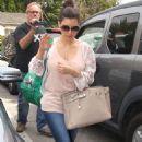 Kim Kardashian: Pondering Beckingham Palace Purchase?