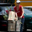 Charlize Theron Shops At Whole Foods Market, 2007-08-01